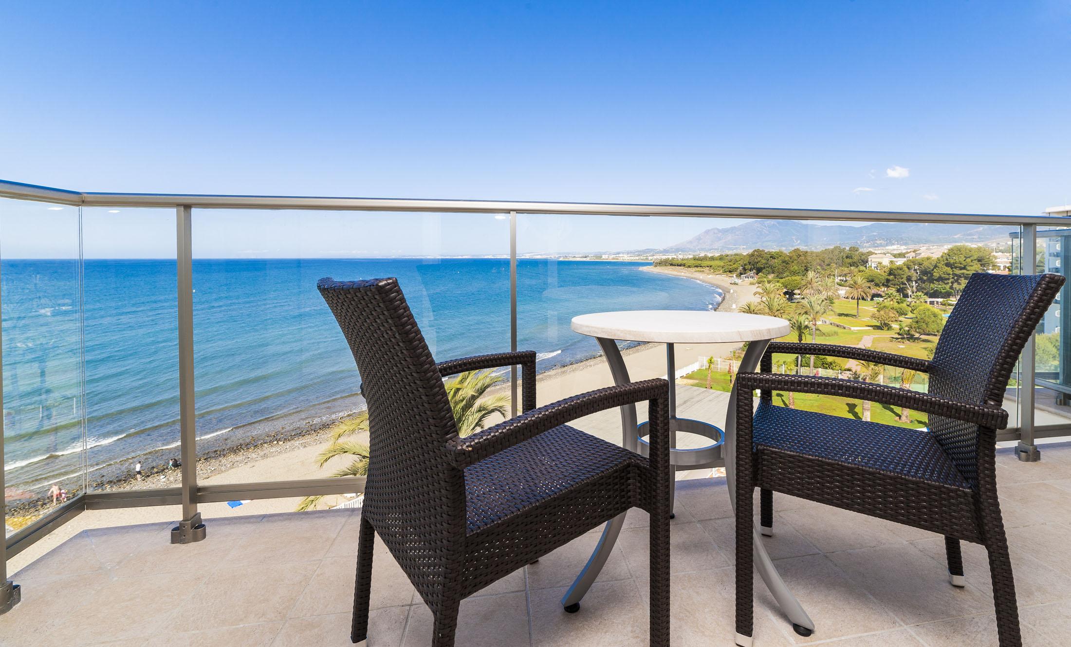 Terraza Habitación Hotel Globales Playa Estepona