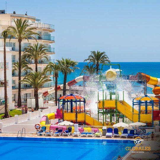 Hoteles familiares y apartamentos en primera línea de playa