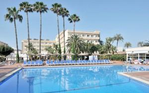 hotel familiar en primera linea de playa